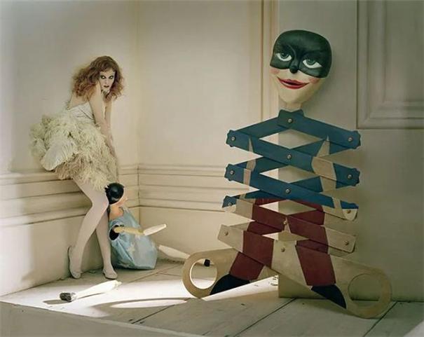 天才时尚摄影师,肖像都被他拍成了黑暗童话