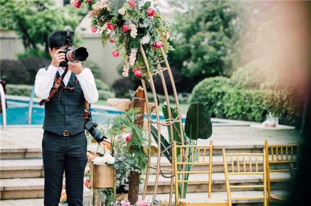 """他让自己的另一半""""入坑"""",做了婚礼摄影师!"""