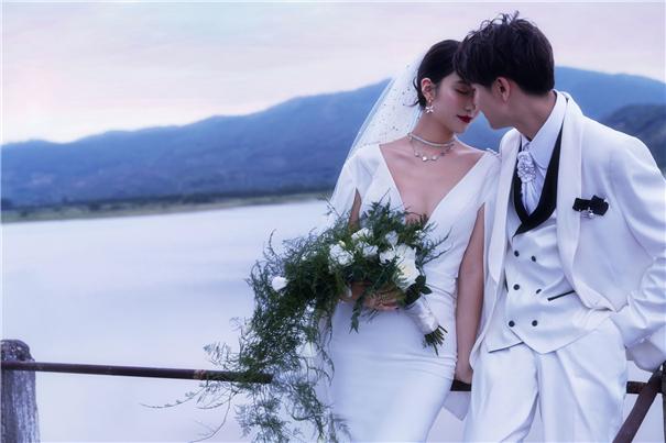 跟妆冬季旅拍,四步帮准新娘做好护肤!