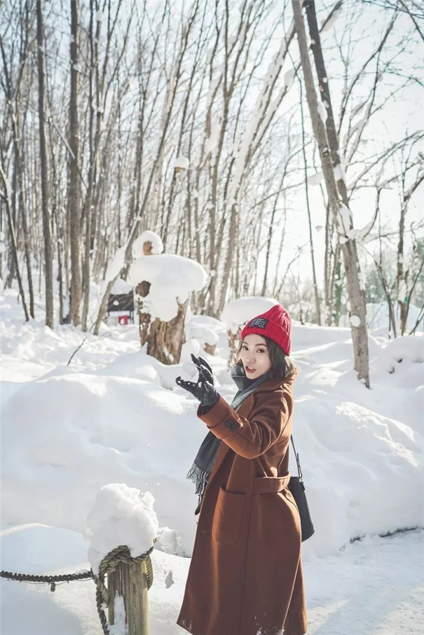 攝影師鏡頭下,北海道雪下初戀般的人像