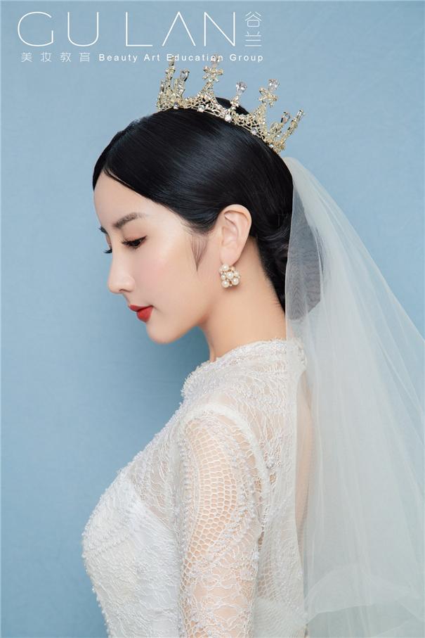 精致简约 气质复古新娘造型