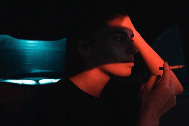 寂静的孤独肖像 当全世界只剩最后一束光