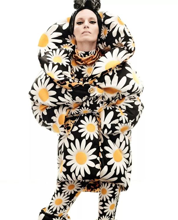 时尚甄选 : 强烈形式感演绎秋冬时装