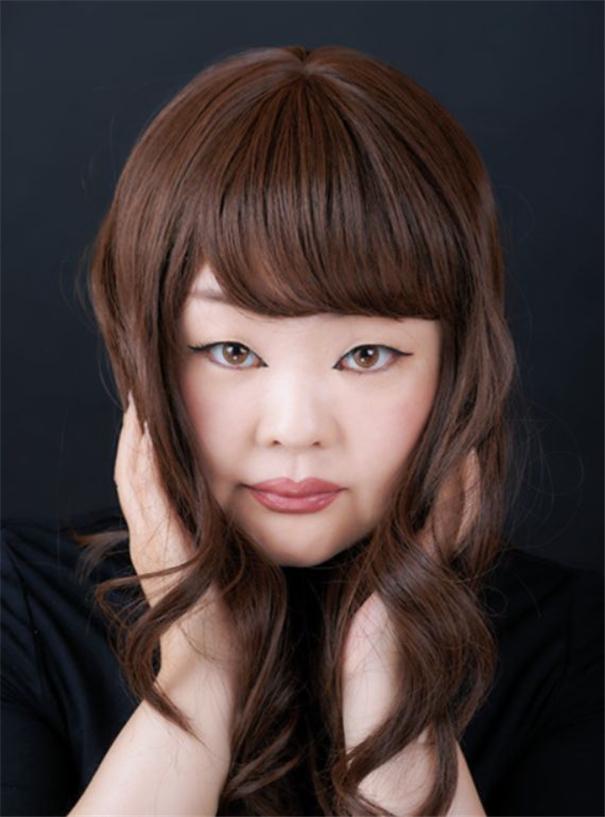 泽田知子:在自拍人像中探讨内在与外表的关系