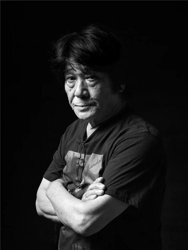 钟维兴:他拍摄摄影师,也不止于摄影师
