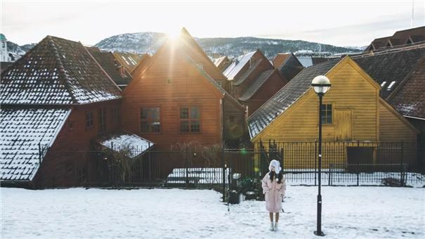 她是如何一边工作一边旅行,最终成为自由摄影师的?