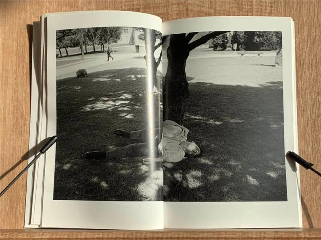 摄影黑皮书:我们如此可怜,边缘人影像