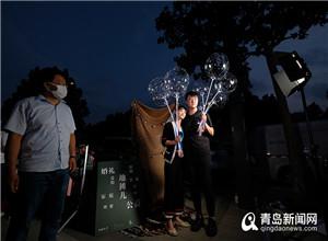 最新影楼资讯新闻-青岛这群年轻人把摄影工作室搬上街头 场面甜齁