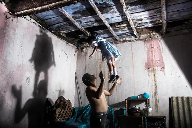 玛格南新提名千赢国际娱乐师:拍摄为了自我疗愈,坚信艺术能改变社会丨谷雨计划