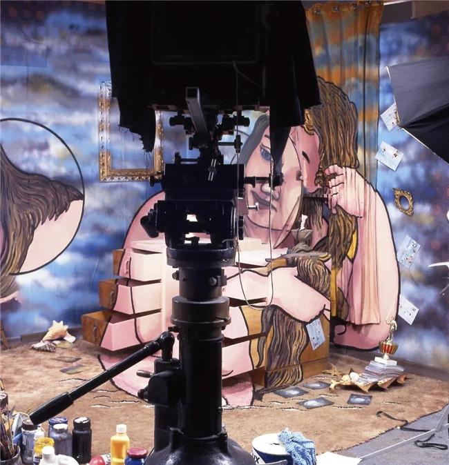 """突破摄影、雕塑和绘画界限!他创作出""""万花筒""""式照片"""
