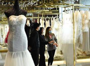 最新影楼资讯新闻-中国90后渐入结婚高峰 自嗨式婚礼突显个性