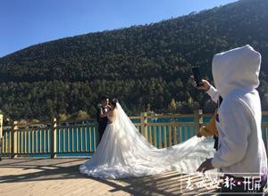 最新影楼资讯新闻-一年接待2万多对新人!玉龙雪山成热门婚纱旅拍基地