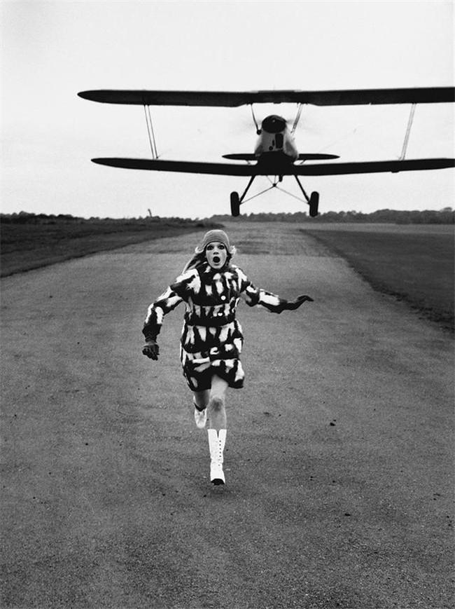 攝影大神Helmut Newton的作品曾經傳遞出性感高冷魅力