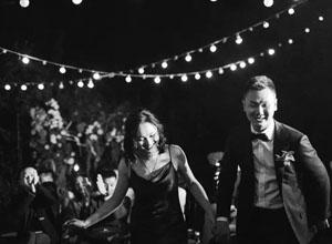 最新影樓資訊新聞-互聯網不帶婚慶行業玩?