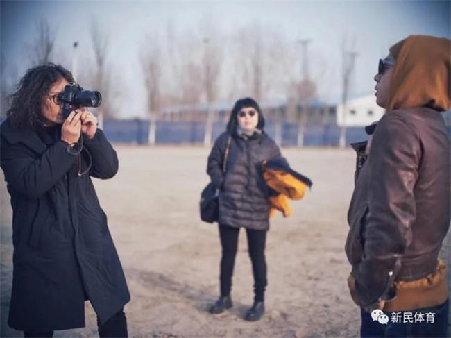 攝影家郭一:拿相機的手也能練舉重|申動
