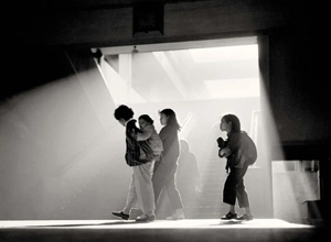 """最新影楼资讯新闻-""""一代宗师""""!华人摄影界他被誉为""""东方布列松"""",拍的照片太美了"""