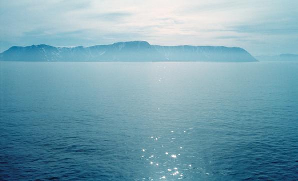 不能旅行的日子里,她借助照片去了想象中的世界……