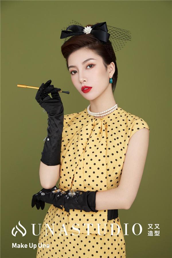 日薪五位数的明星化妆师究竟是如何炼成的?