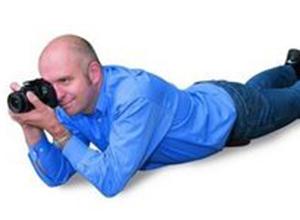 最新影楼资讯新闻-端稳你的相机 怎样才是正确的摄影姿势