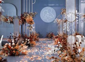 婚庆人迎十月最旺季:甜蜜且繁忙 收入是平时的几